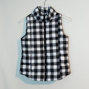 Other - Girls Black and white puffer vest size 14